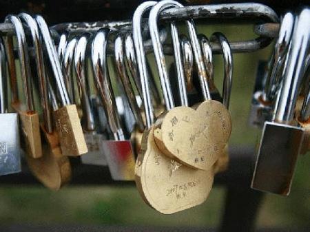 永远也打不开的同心锁