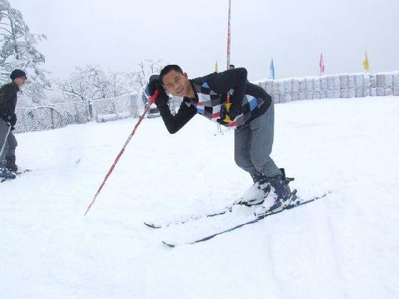 峨眉山玩雪