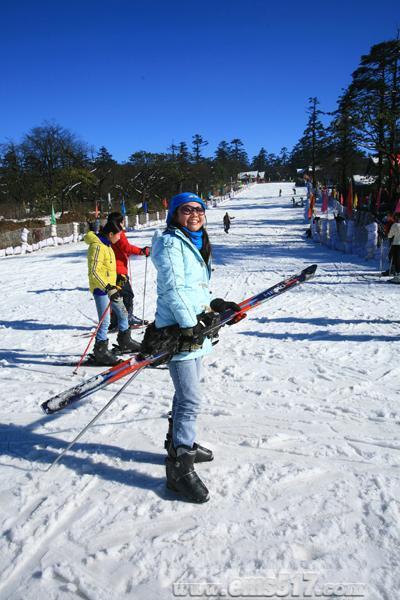 峨眉山雷洞坪滑雪场