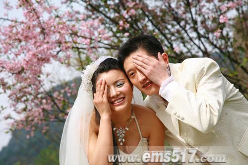 百对新人婚旅活动,婚纱绣