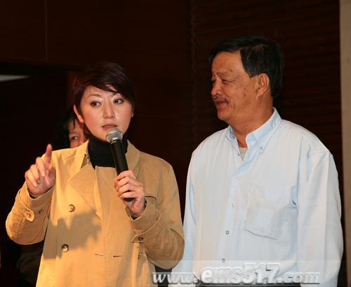 新加坡明星权怡凤的回乡之旅