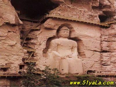 甘肃省的炳灵寺石窟