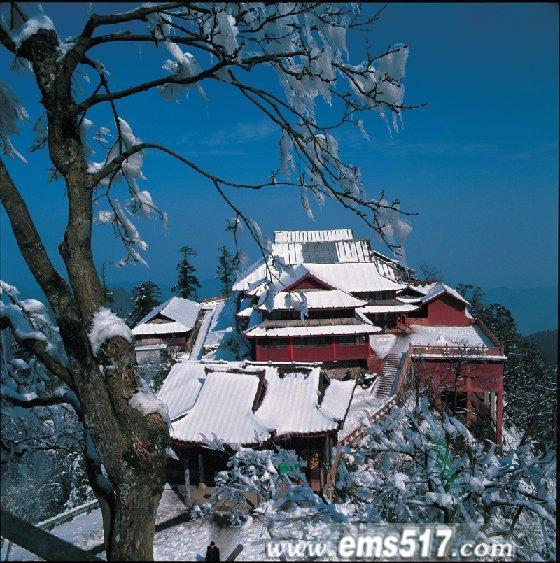 人民网天津视窗:仙的世界佛的海洋 峨眉山风景区