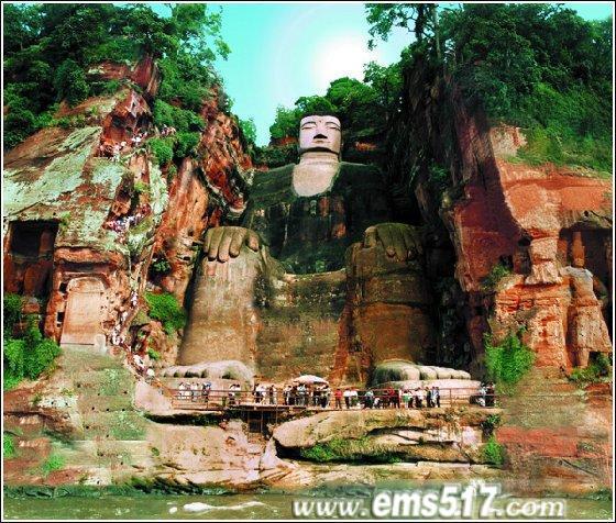 世界上最大的石刻弥勒佛坐像--乐山大佛