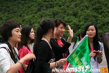 """天涯""""金牌美女导游"""":""""全程讲解5元钱"""""""