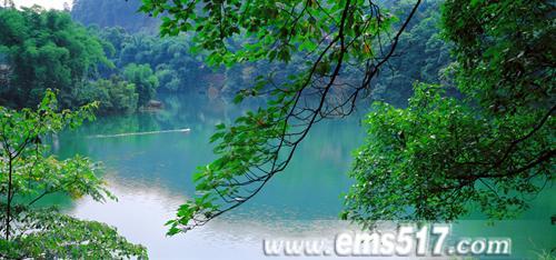 峨眉山水,清音仙境,森林氧吧,吐气纳新