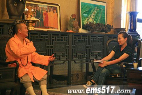 走遍中国,走进峨眉。摄制组专访中国佛教协会副会长,峨眉山佛教协会会长永寿大和尚。