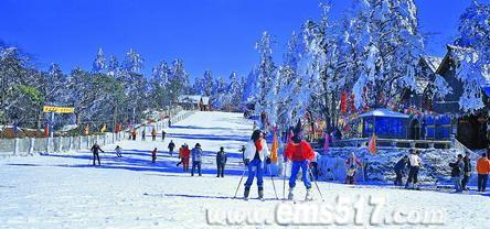 西南最大的峨眉山雷洞坪高山滑雪场