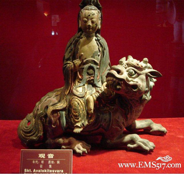 海外尚有一尊明代木雕观音坐像