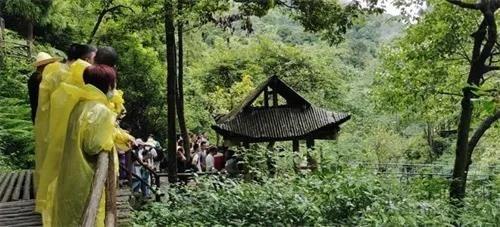 中国旅游景点大全图:8月适合旅游的地方